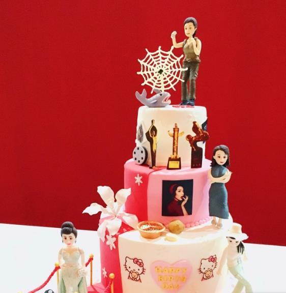 李冰冰生日 后援会送的蛋糕也太好看了吧